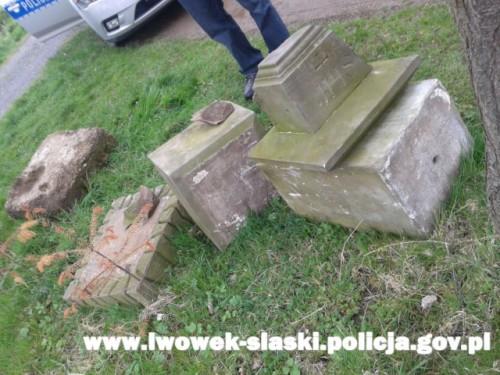 Policjanci zatrzymali amatorów piaskowca.