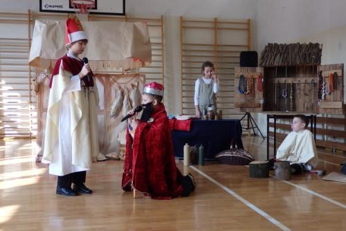 Jubileusz 1050-lecia Chrztu Polski w Szkole Podstawowej  w Gryfowie Śl