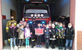 Dzieci pamiętają o święcie strażaków