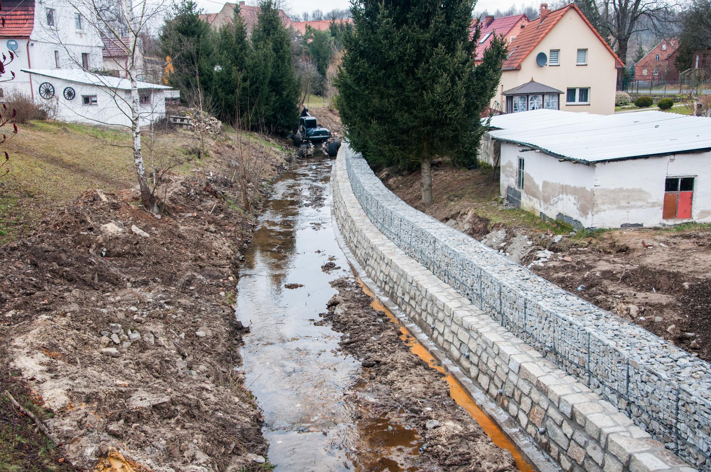 Prace na ciekach wodnych gminy.