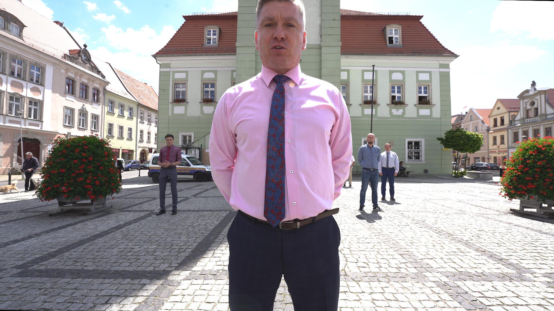 """Radni Gminy i Miasta Gryfów Śląski """"pompują"""" dla Franka."""